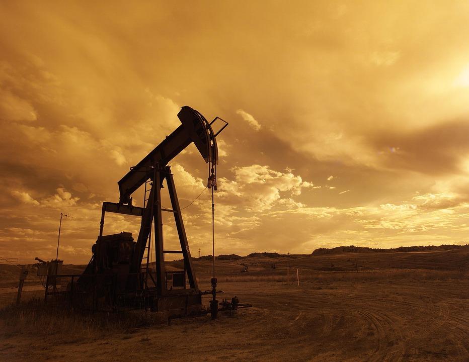 Petrolio in calo, ecco come cambiano le valutazioni sul greggio