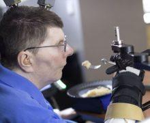 Tetraplegico riesce a muovere il braccio con il pensiero